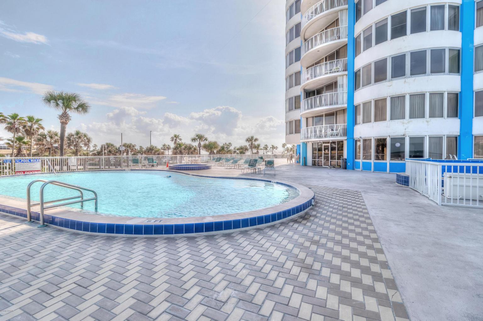 peck plaza  ocean front condos daytona beach for sale