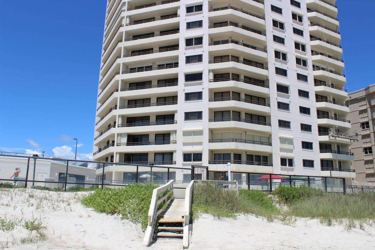 seychelles ocean front condos daytona beach for sale
